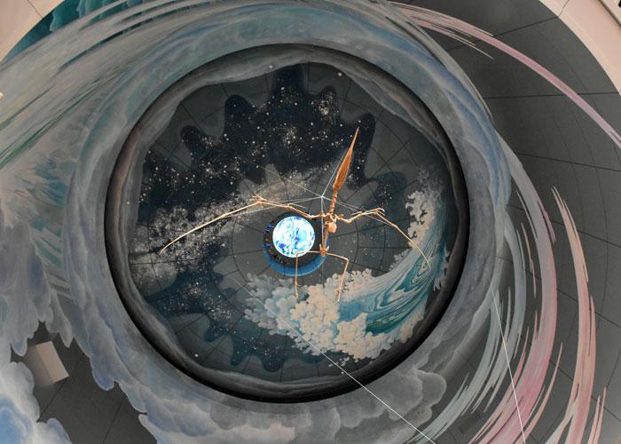 神奈川県立生命の星・地球博物館エントランスホールのトゥプクスアラの全身骨格
