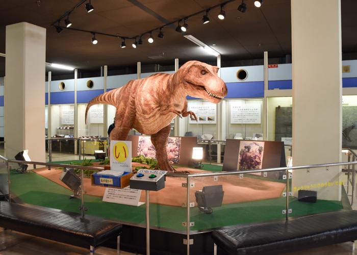京都市青少年科学センターのティラノサウルスの動く復元模型
