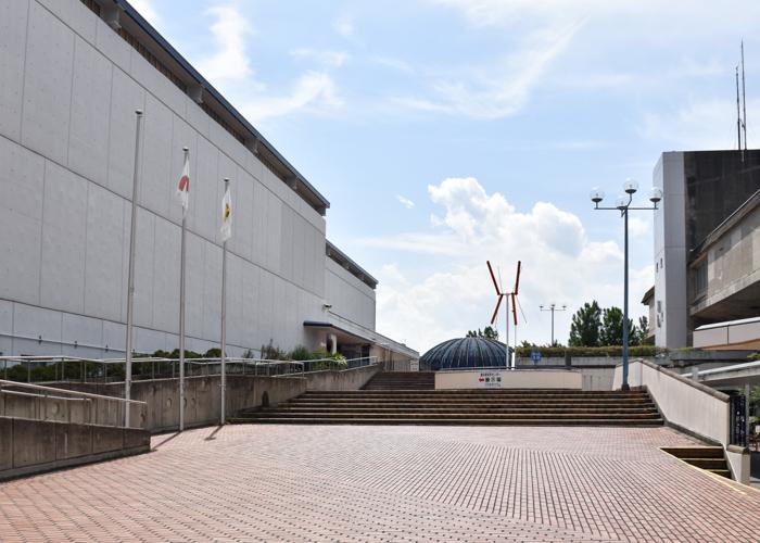 京都市青少年科学センター前の広場