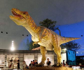 福井県立恐竜博物館ティラノサウルスの復元模型